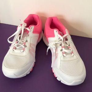 Like new Avon 39 pink and white Reebok size 9 1/2